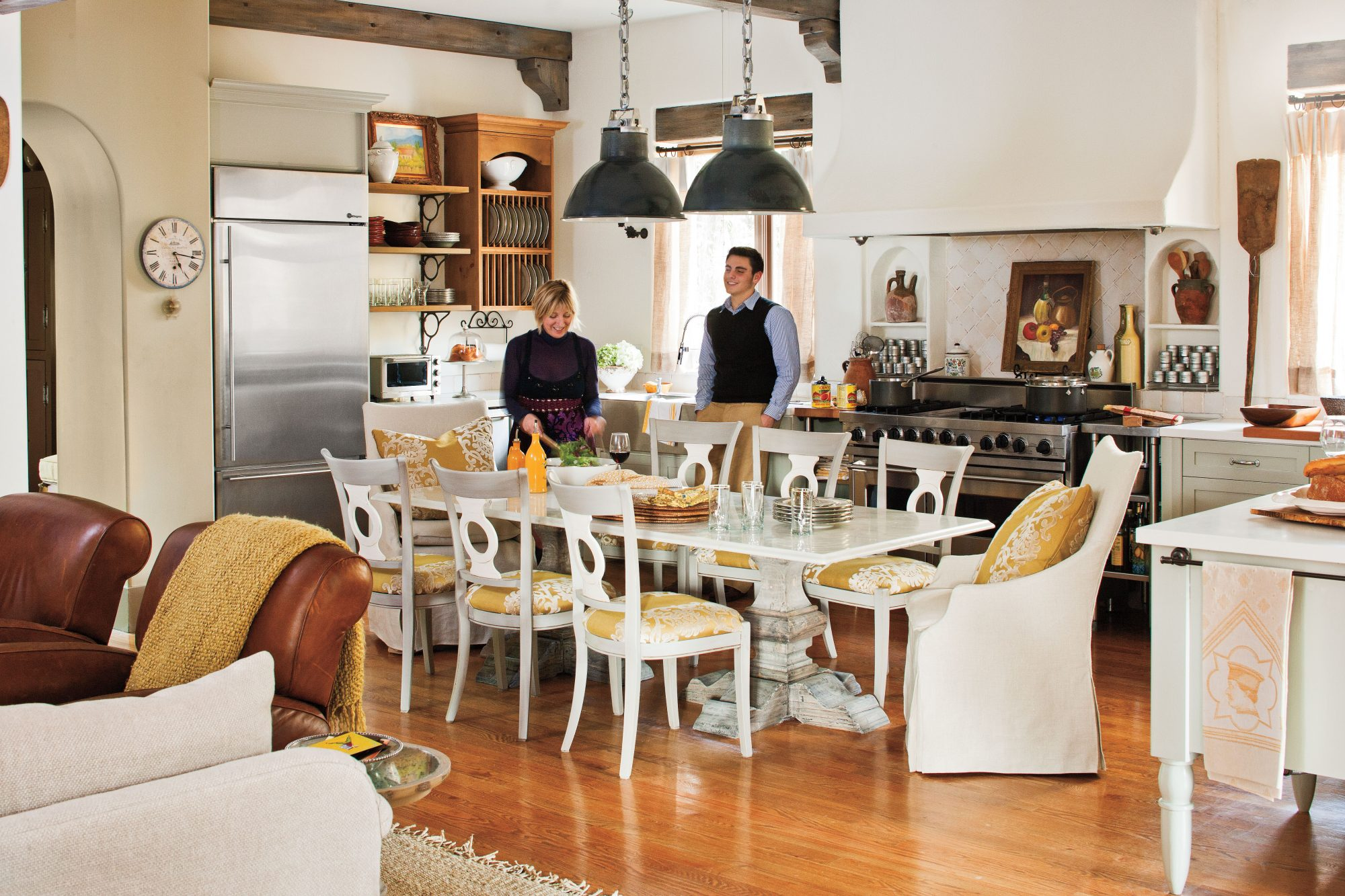 Dream Kitchen Design Ideas: Seating for Eight