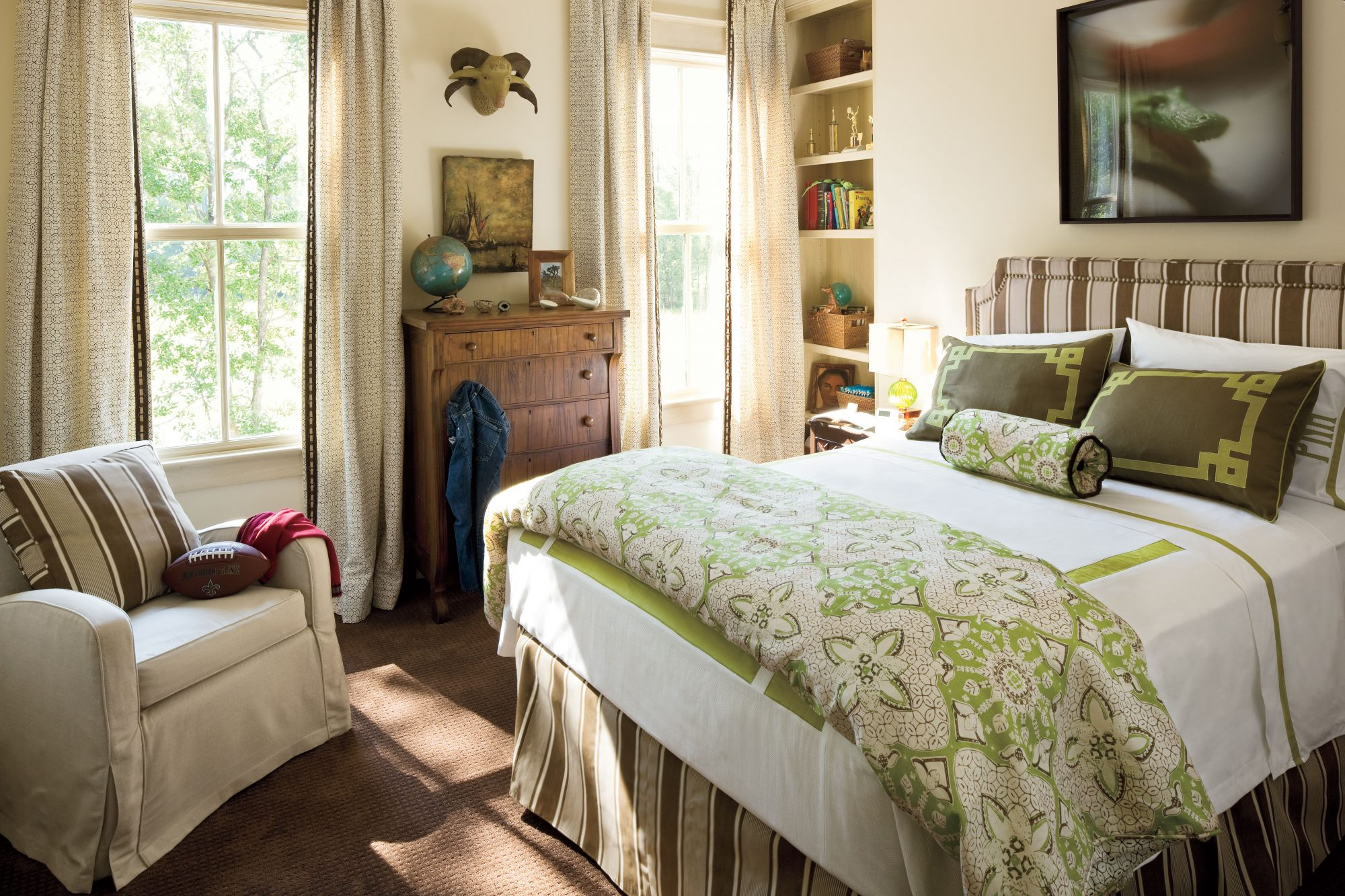 Marsh Inspired Bedroom. Colorful Beach Bedroom Decorating Ideas   Southern Living