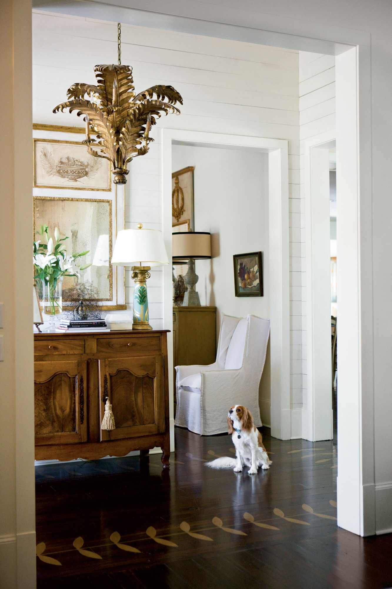Make Antiques the Focal Points