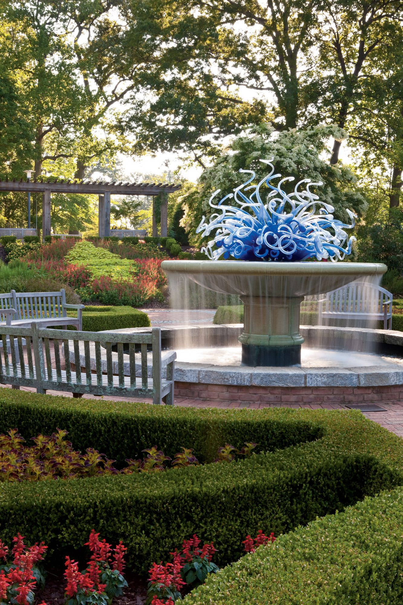 Dale Chihuly Garden Sculpture