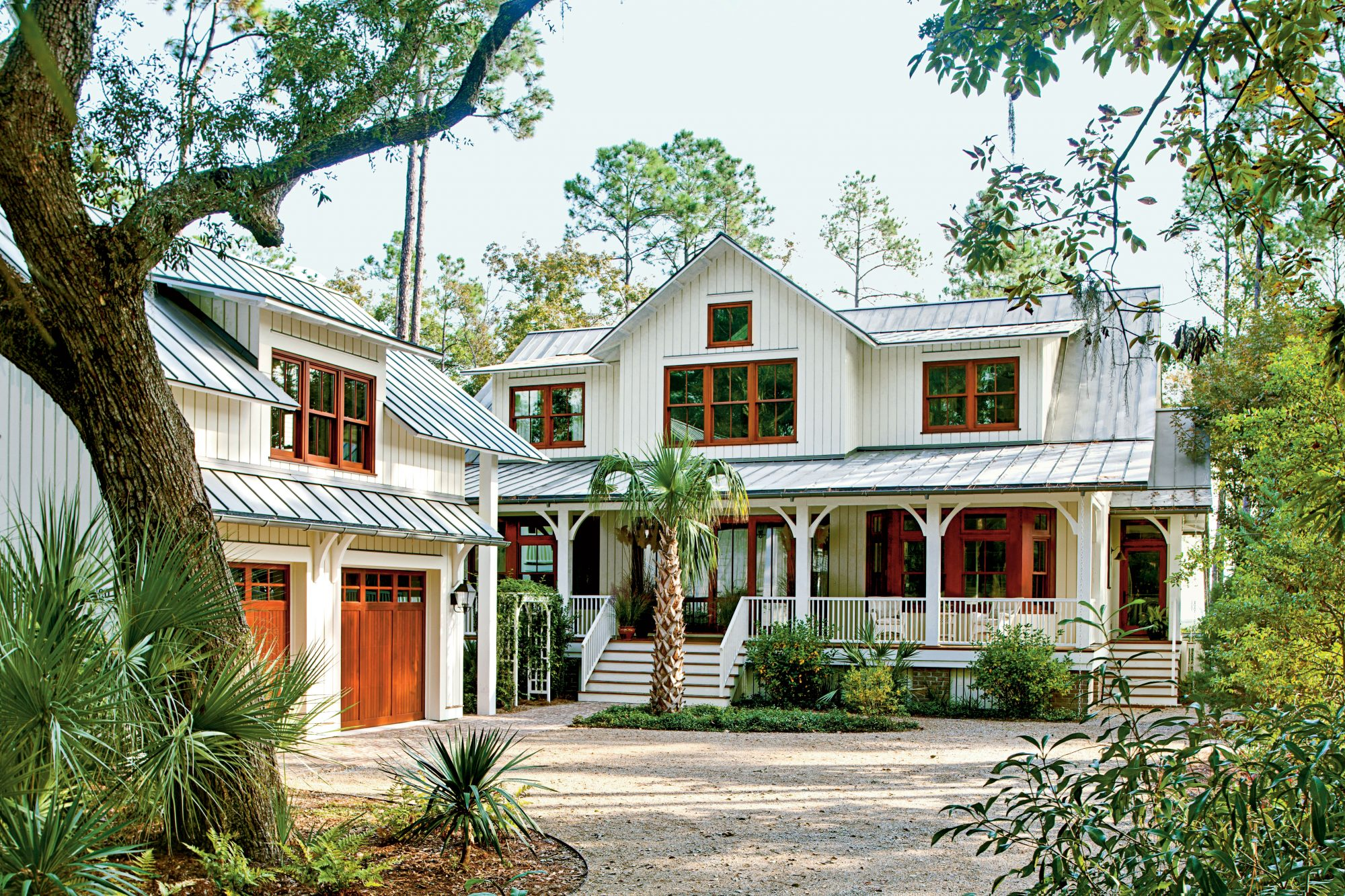 Lowcountry style house southern living for One story low country house plans