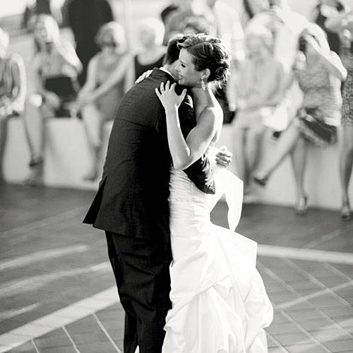 First Dance Country Wedding Songs: Sentimental First Dance Wedding Songs