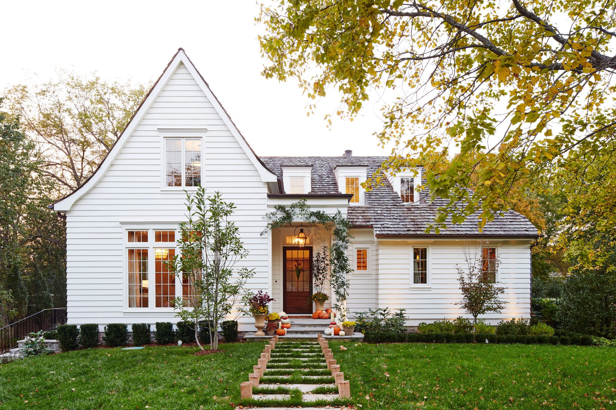 How To Pick The Right Exterior Paint Colors Southern Living