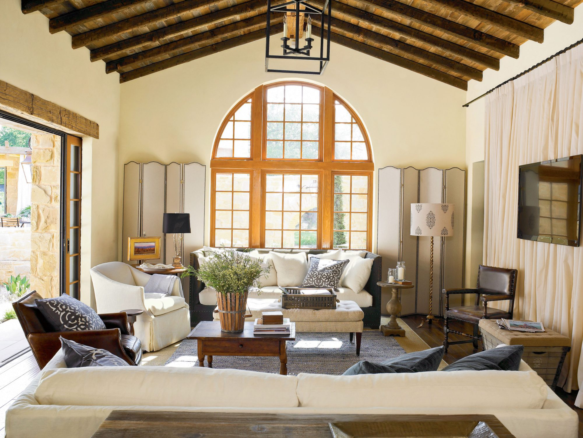 play up the views - Lake Home Design Ideas