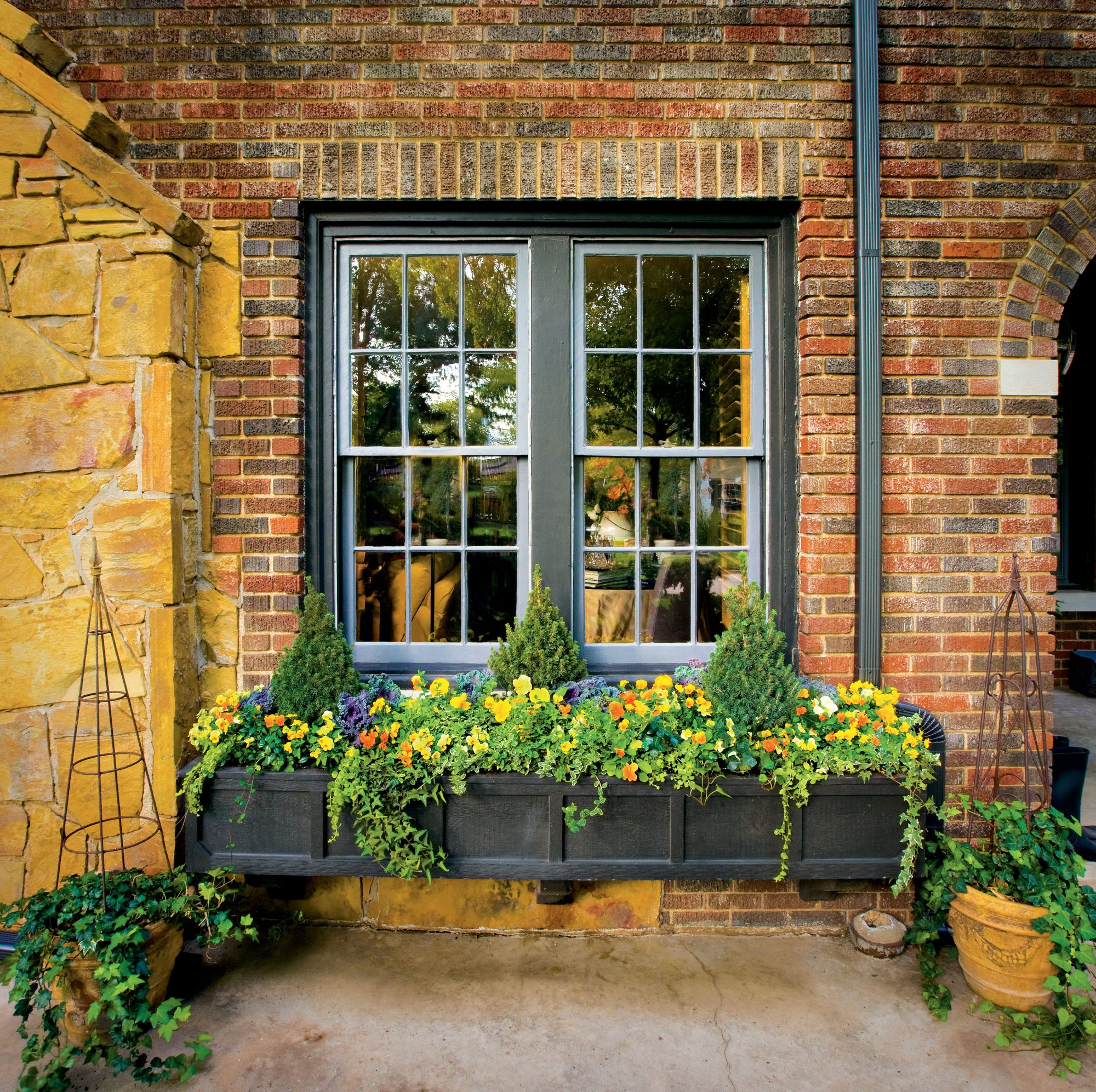 Fall Planter Ideas Wow In 3 Easy Steps: Pansies & Viola Gardens