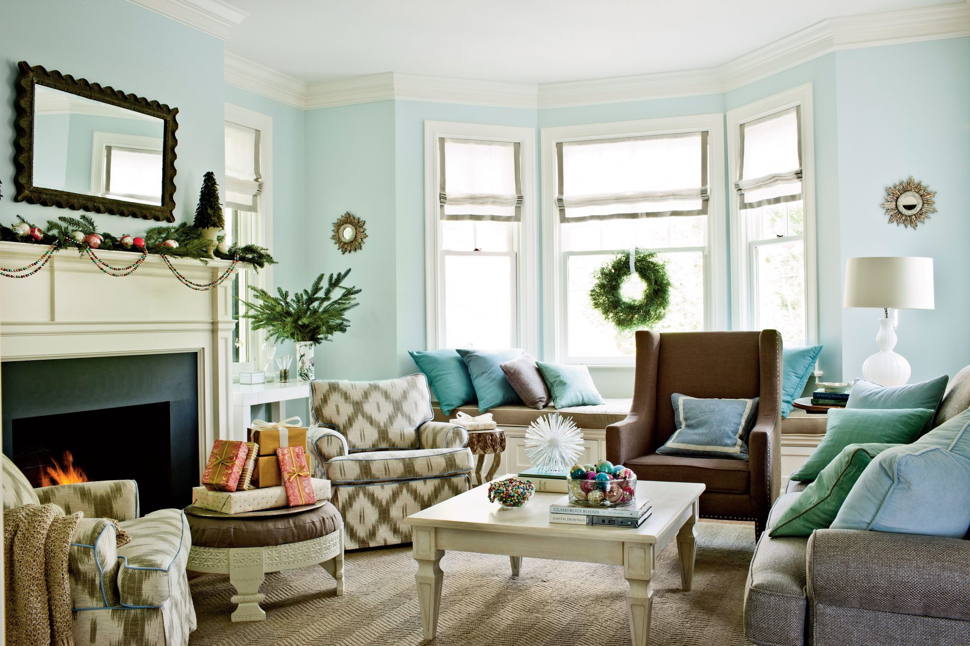 Strive For Easy Elegance. Sarah Tuttle Living Room Decorated For Christmas