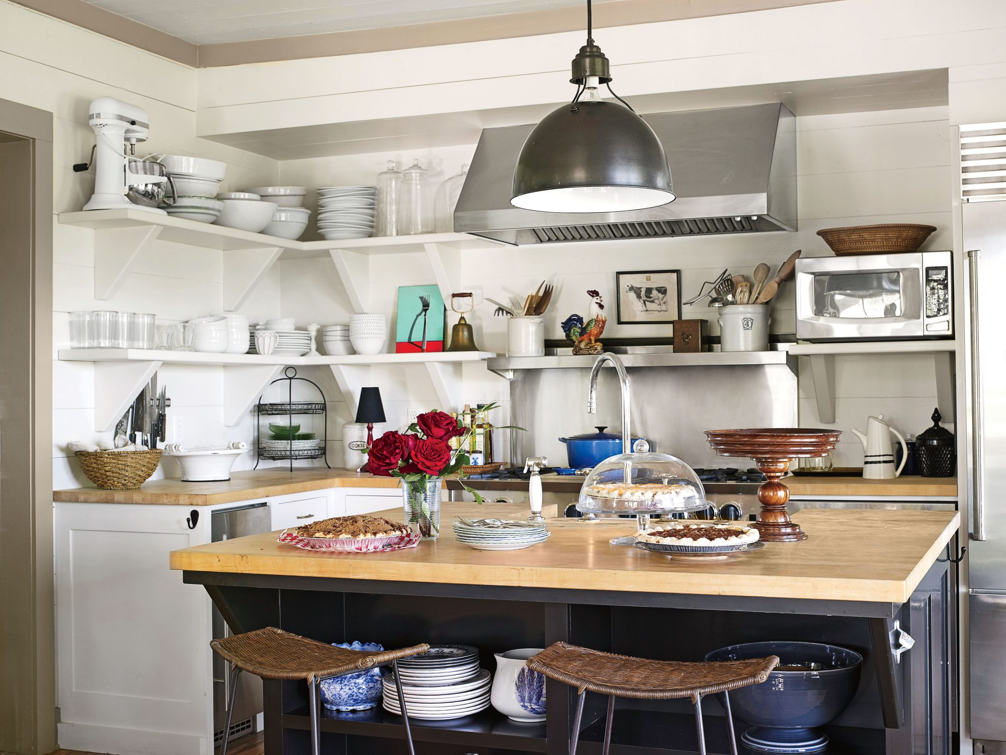 The Big and Cramped Farmhouse Kitchen Reveal