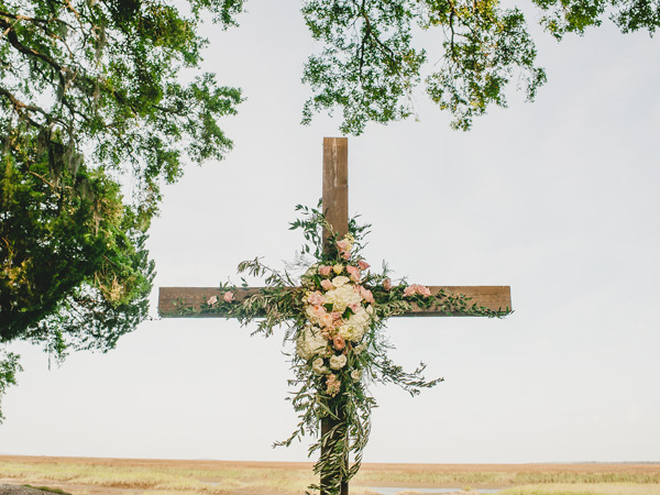 southern-wedding-floral-cross.jpg