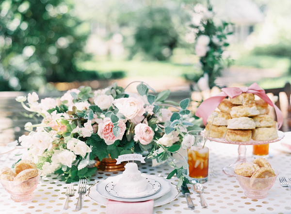 southern-wedding-pink-tablescape.jpg