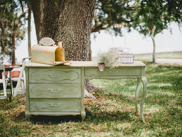 southern-wedding-vintage-furniture.jpg