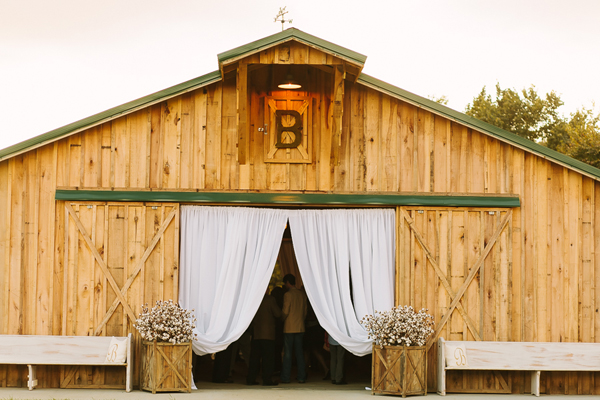 southern-wedding-barn-wedding.jpg