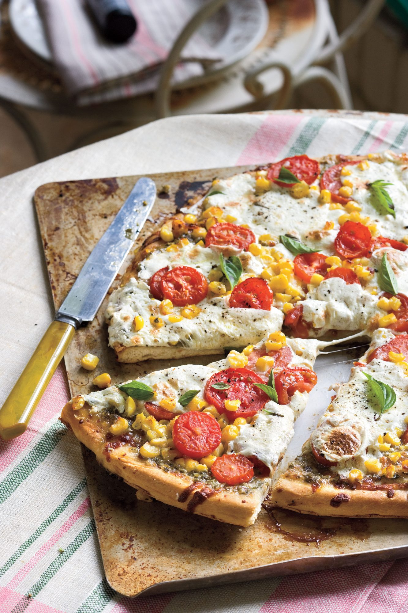 Summer Local Produce Recipes: Tomato-and-Corn Pizza
