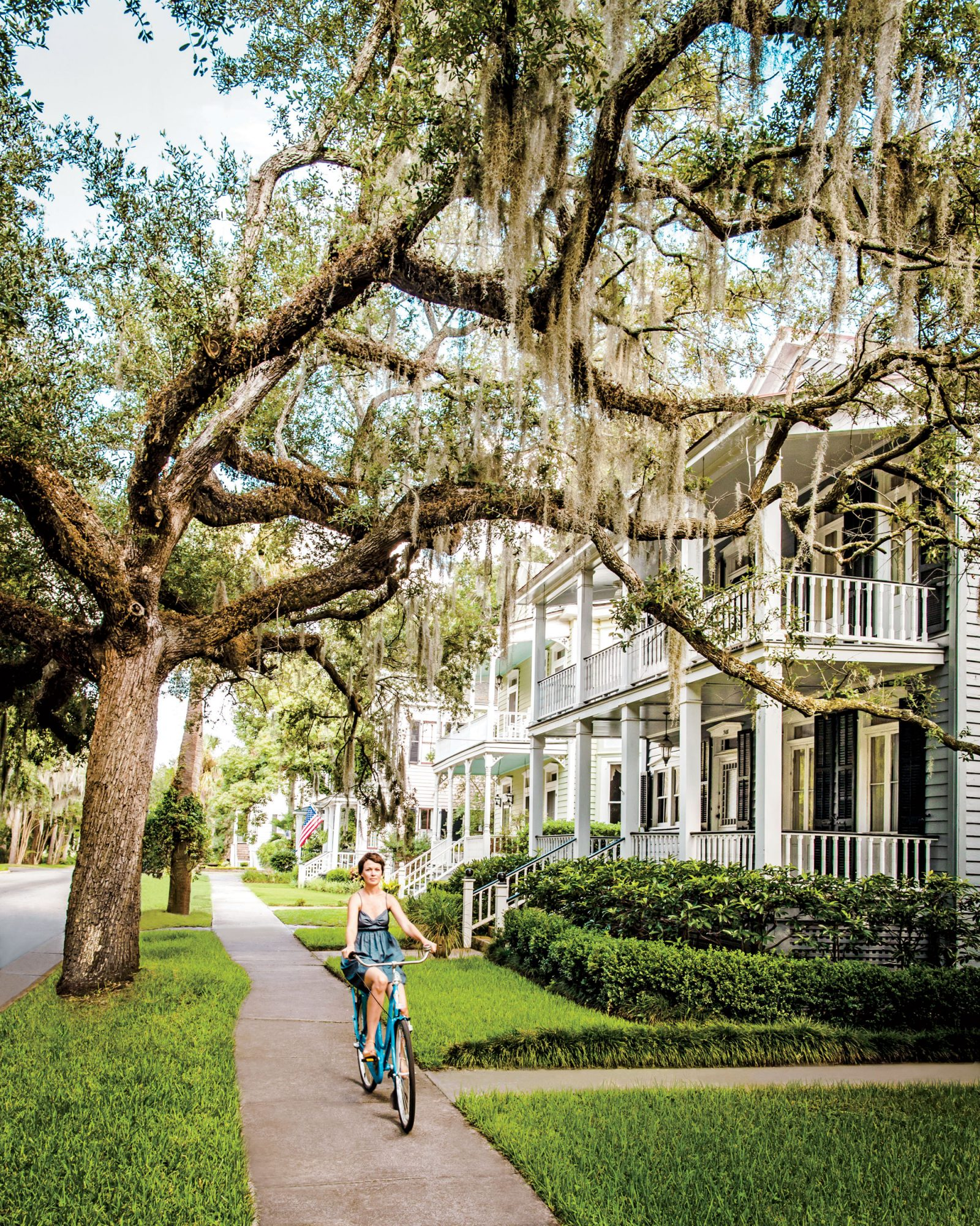 Small town we love beaufort south carolina southern living for Builders in south carolina