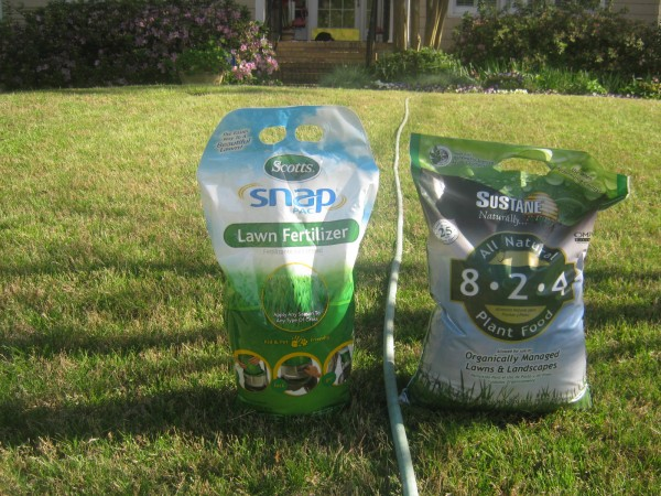 Chemical vs Organic Lawn Fertilizer -- Which Works Better