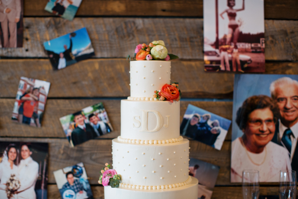 southern-wedding-monogram-cake.jpg