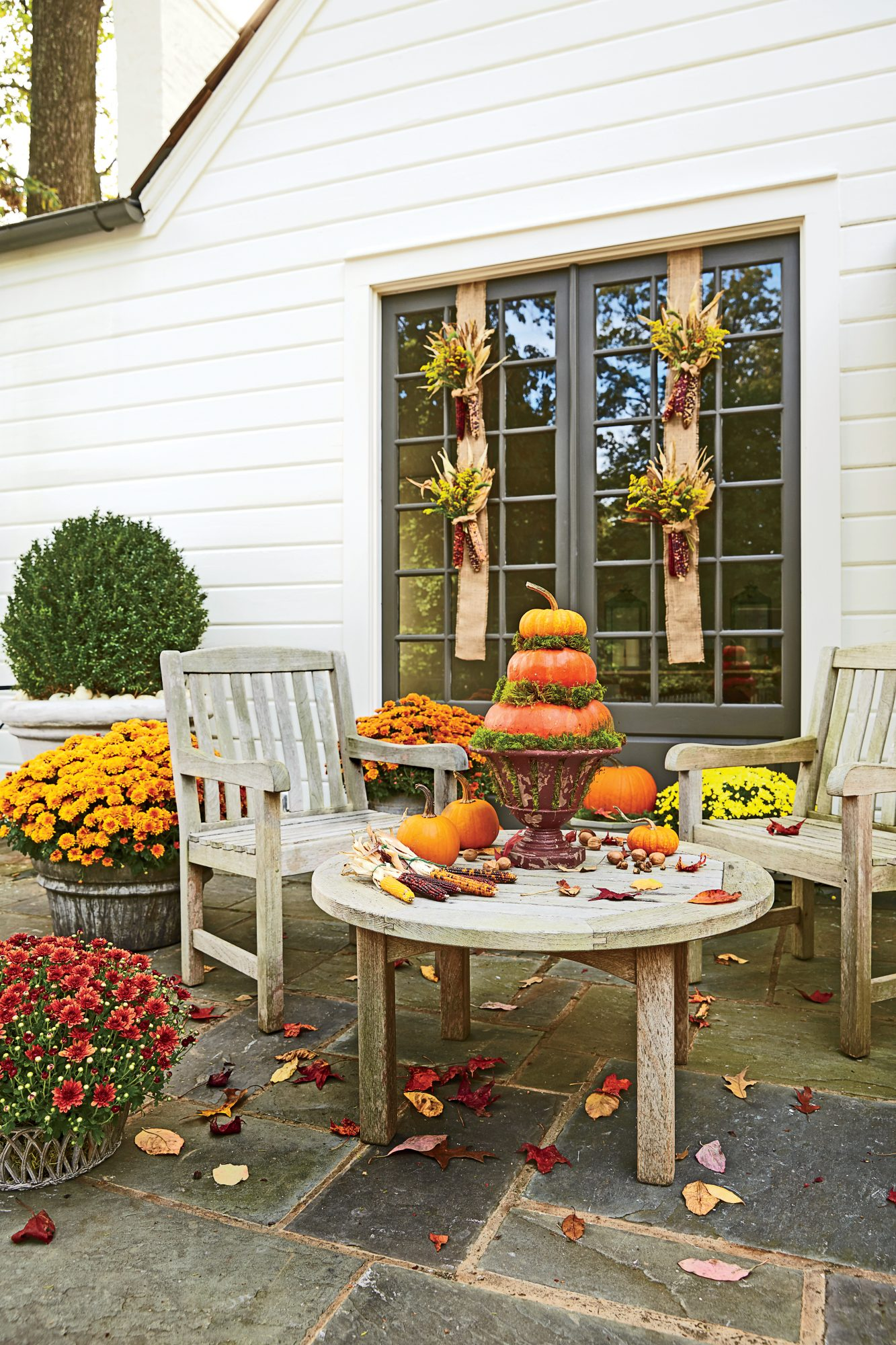 Spice up the patio southern living for Harvest decorations for the home