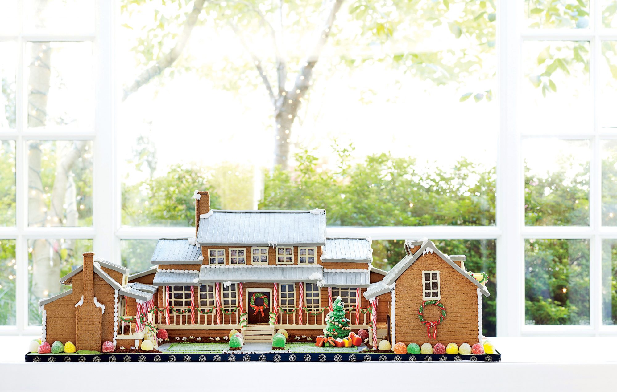Build the Ultimate Gingerbread House