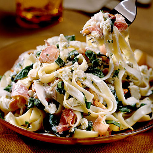 Easy Pasta Recipes: Fettuccine with Blue Cheese Sauce
