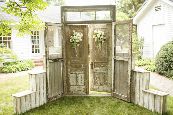 rustic-wedding-decor.jpg