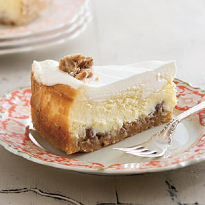 praline-crusted-cheesecake-m.jpg