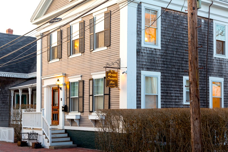 brass-lantern-inn-bed-breakfast-nantucket-massachusetts.jpg