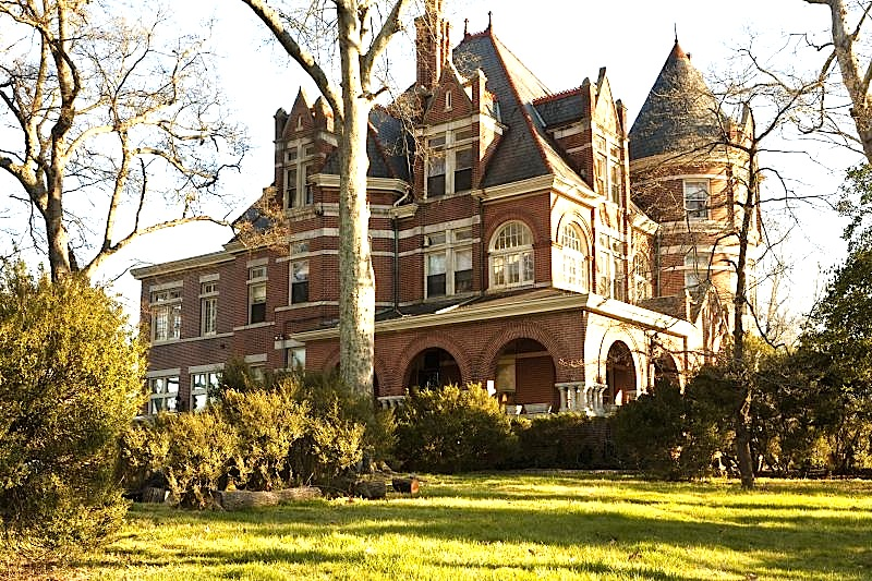 chattanooga-tennessee-queen-anne-mansion-estate-downtown.jpg