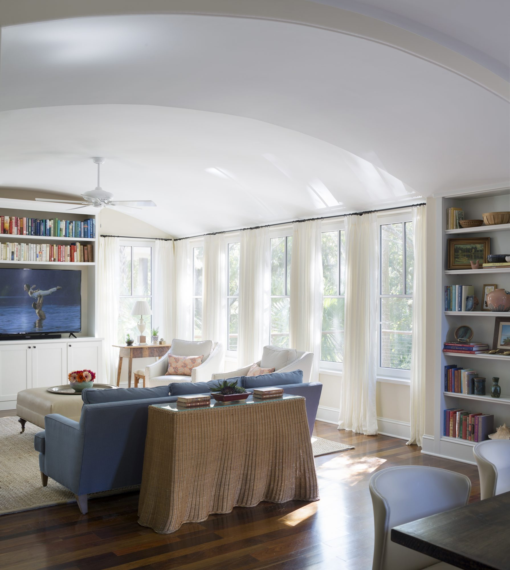 Arched Ceiling in Kiawah Living Room