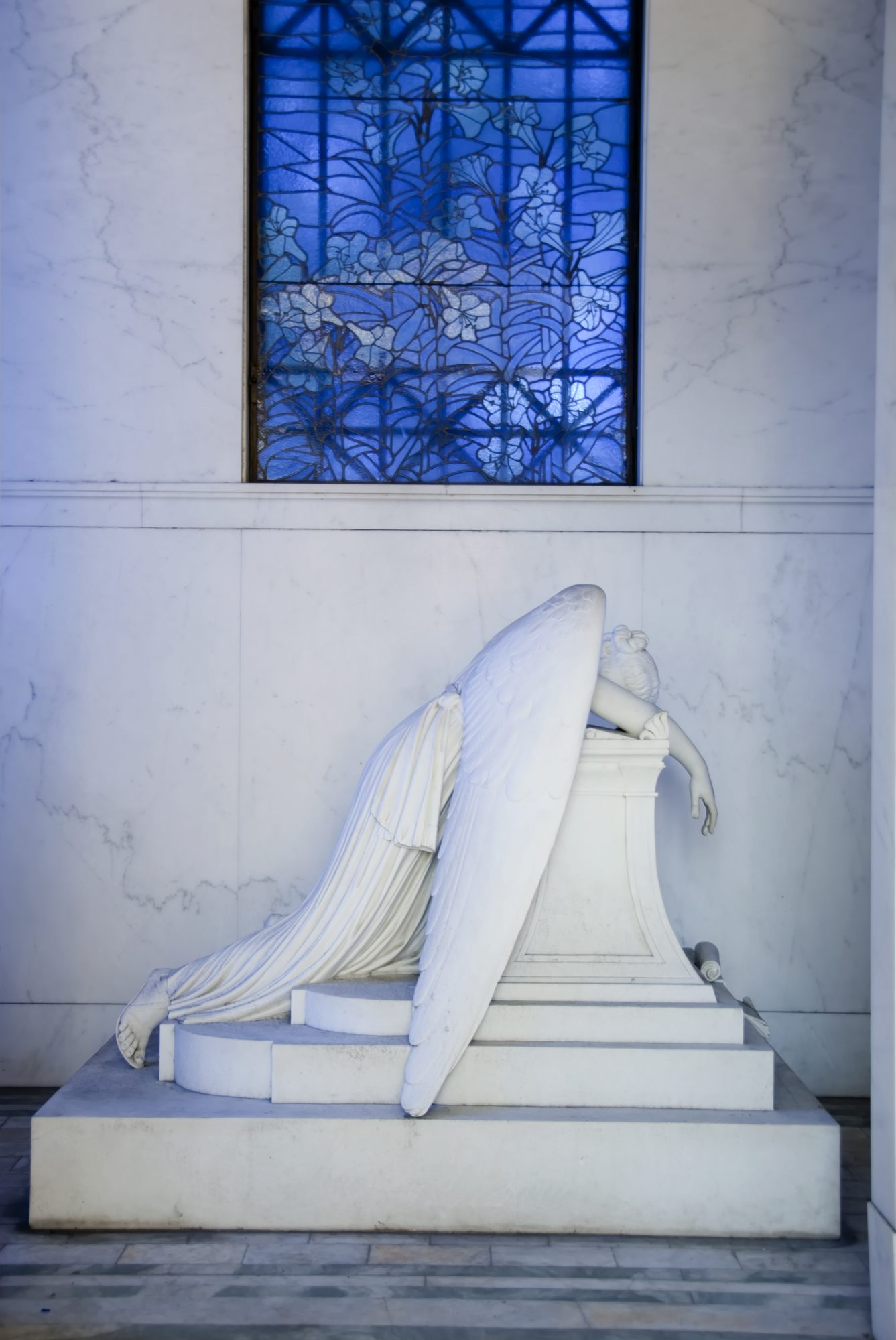 Weeping Angel Statue at Metairie Cemetery in New Orleans