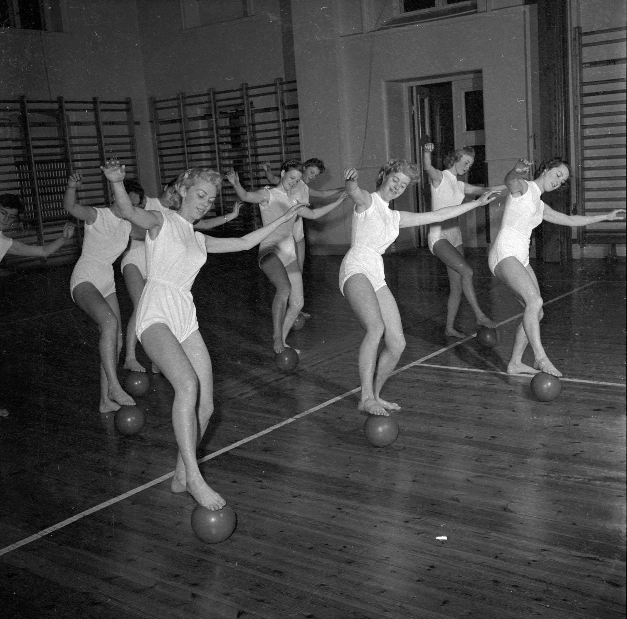 Group Ball Ballet vintage photo