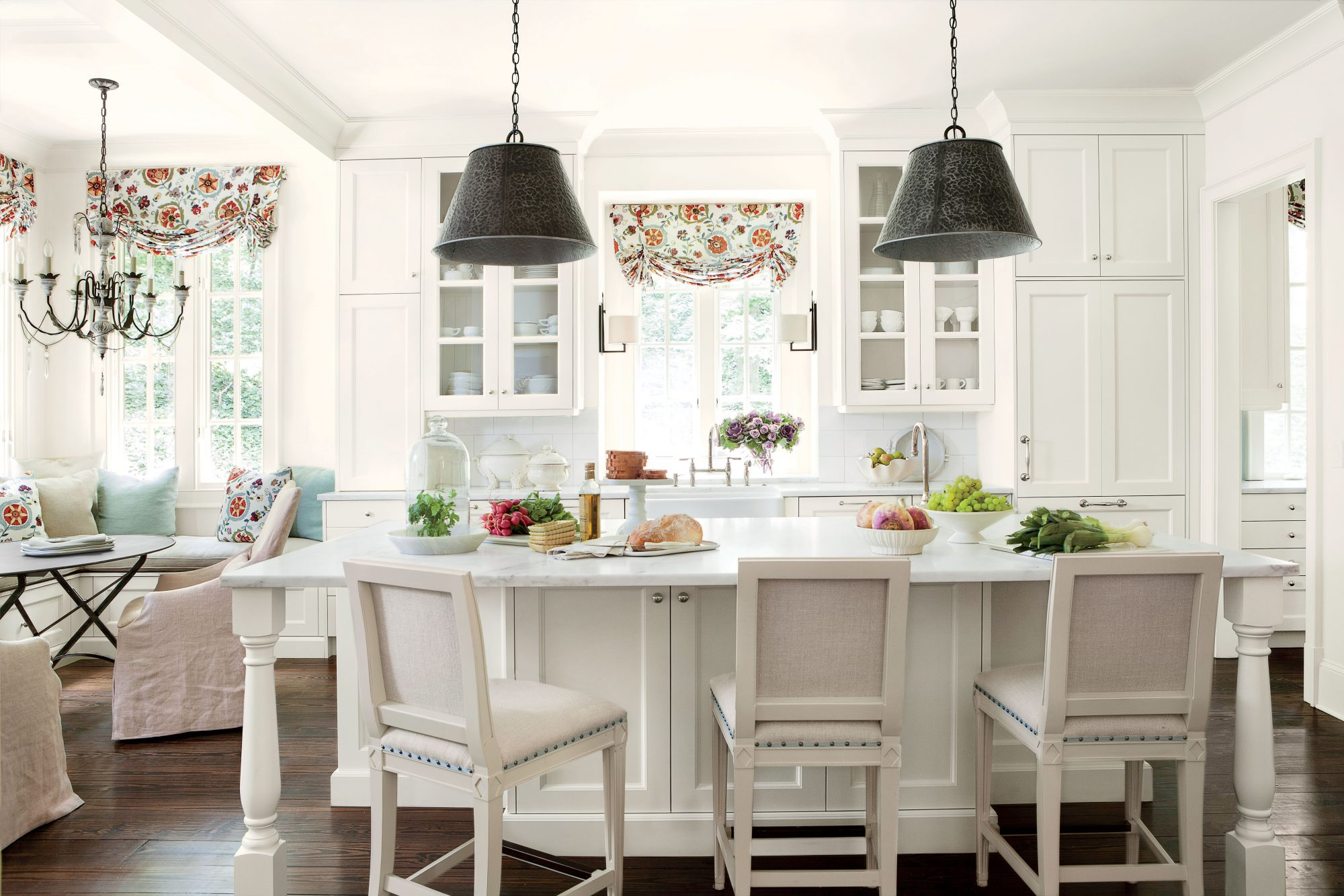 The best white paint for your kitchen southern living for Kitchen color planner