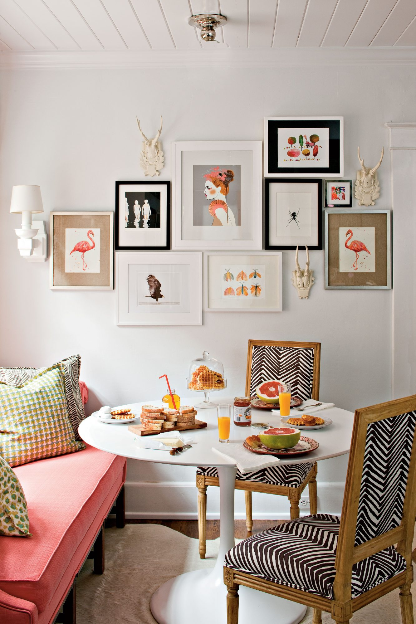 Budget Decorating Ideas: Create a Gallery Wall with Art - Southern ...