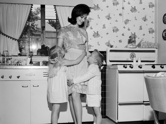 What s hoppin john southern living for Naked in kitchen pics