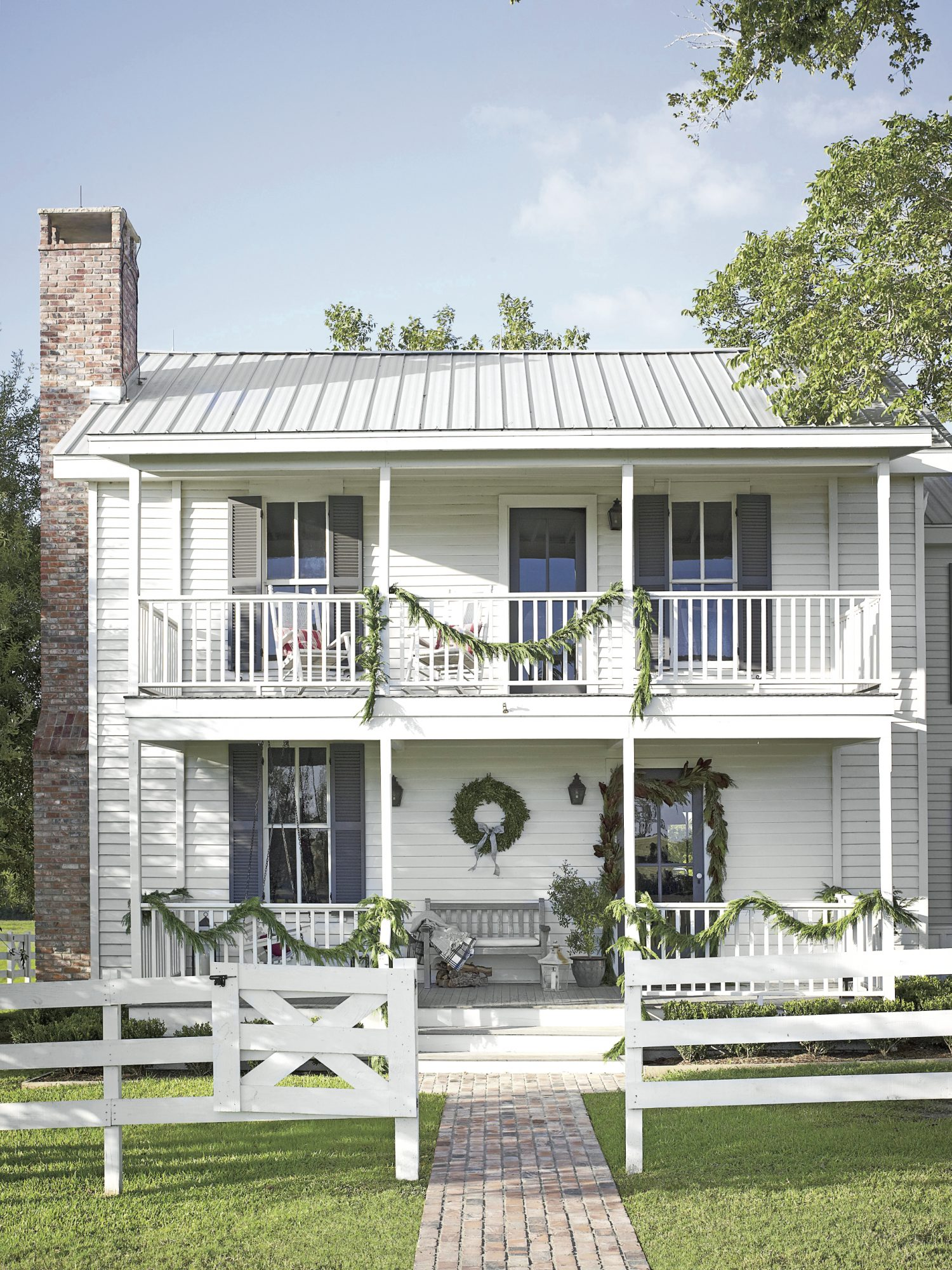 Christmas Exteriors Country Charm