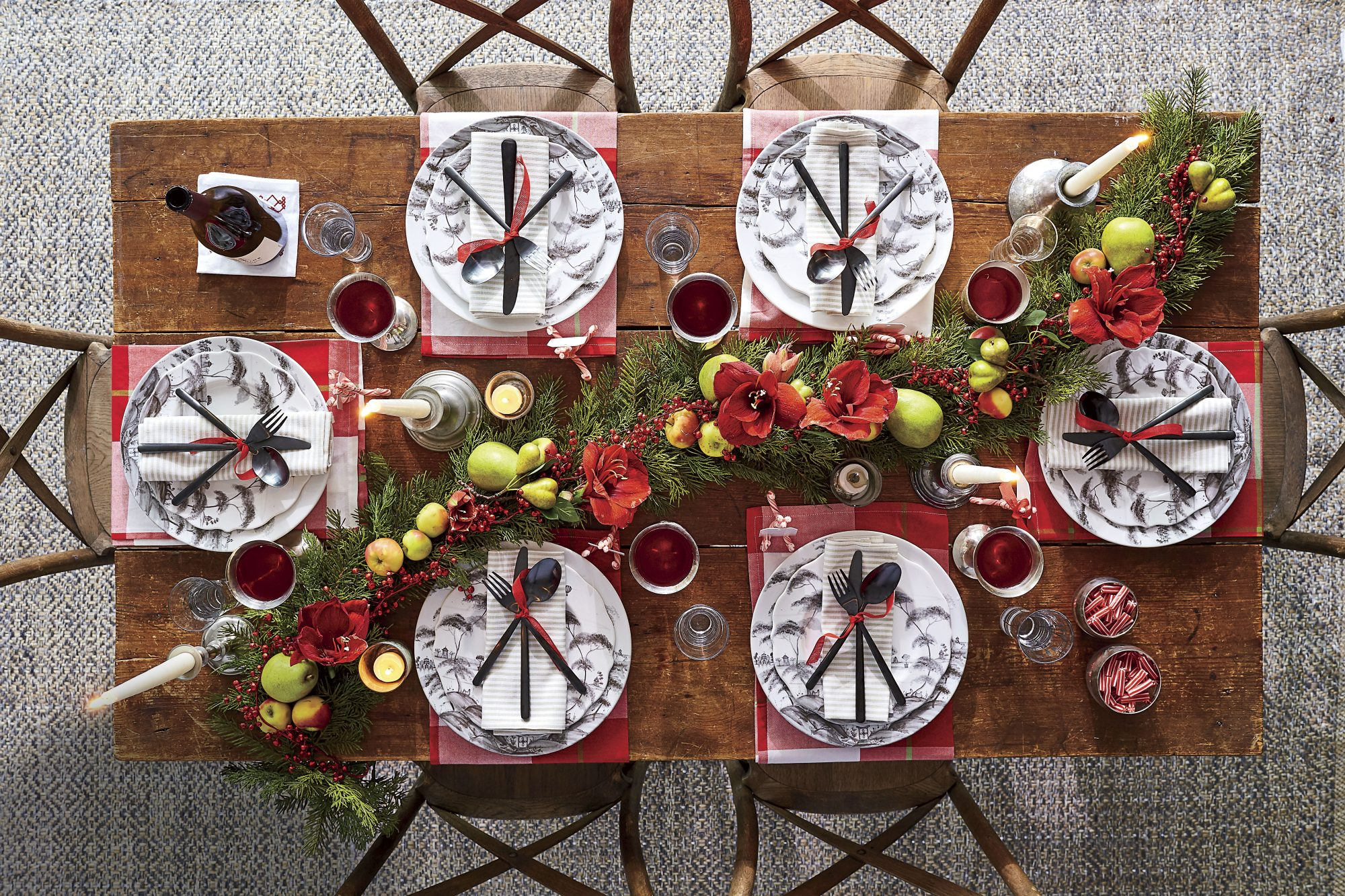 Christmas Table Decor with Blacks and Reds