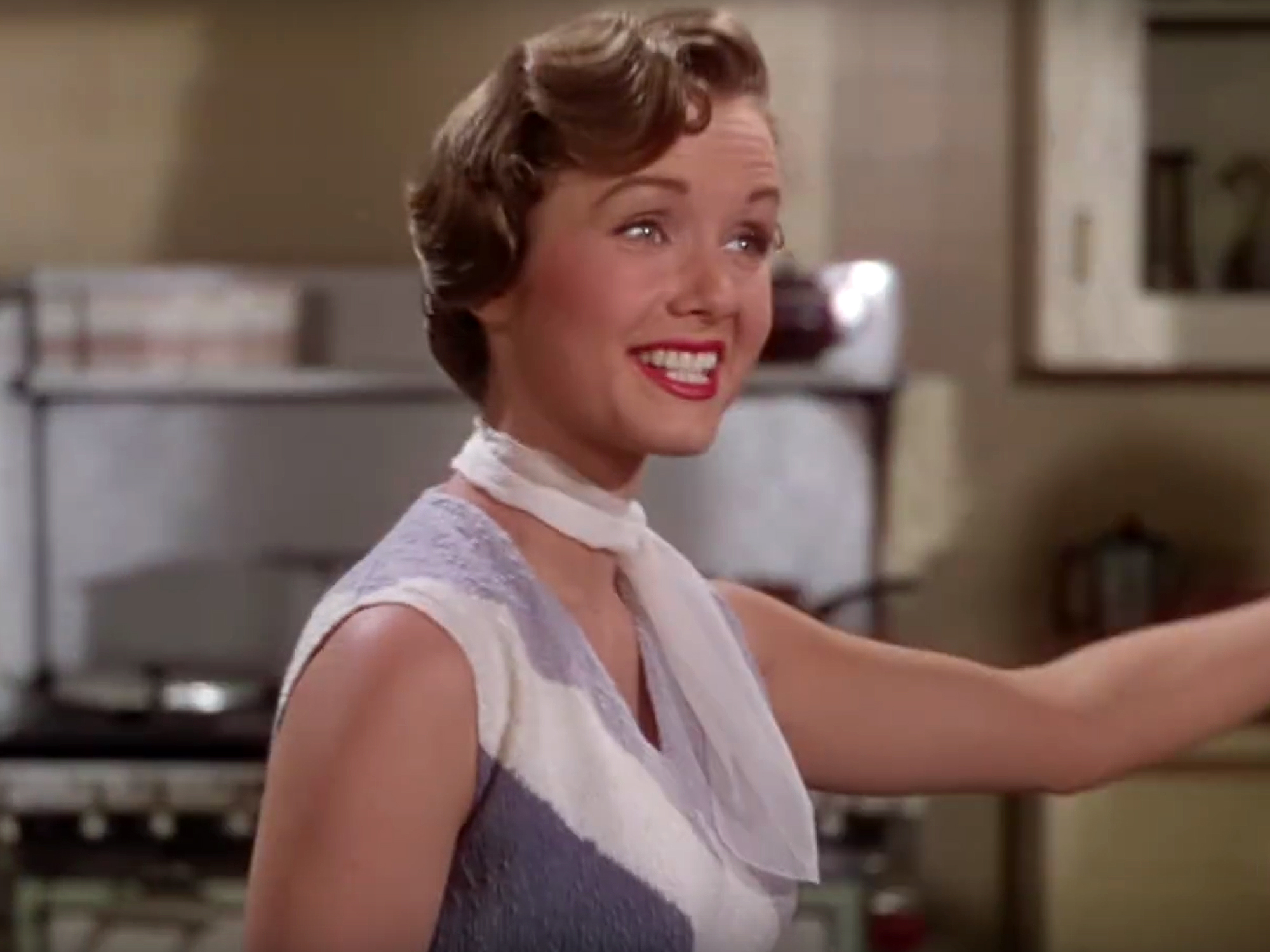 WATCH: Debbie Reynolds' Legendary 'Singin' in the Rain' Moments