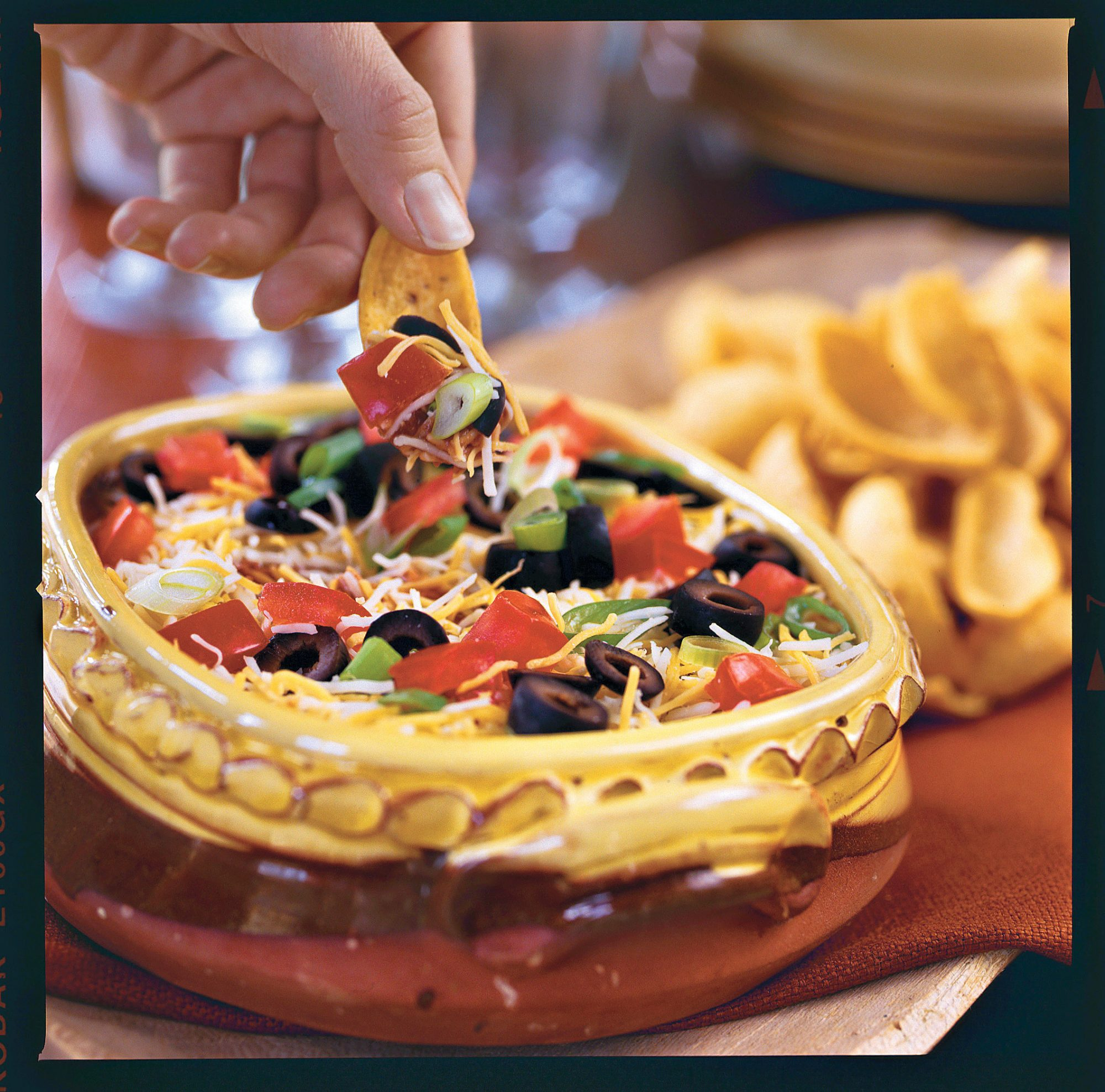 Golden Globe Appetizers Layered Spicy Black Bean Dip
