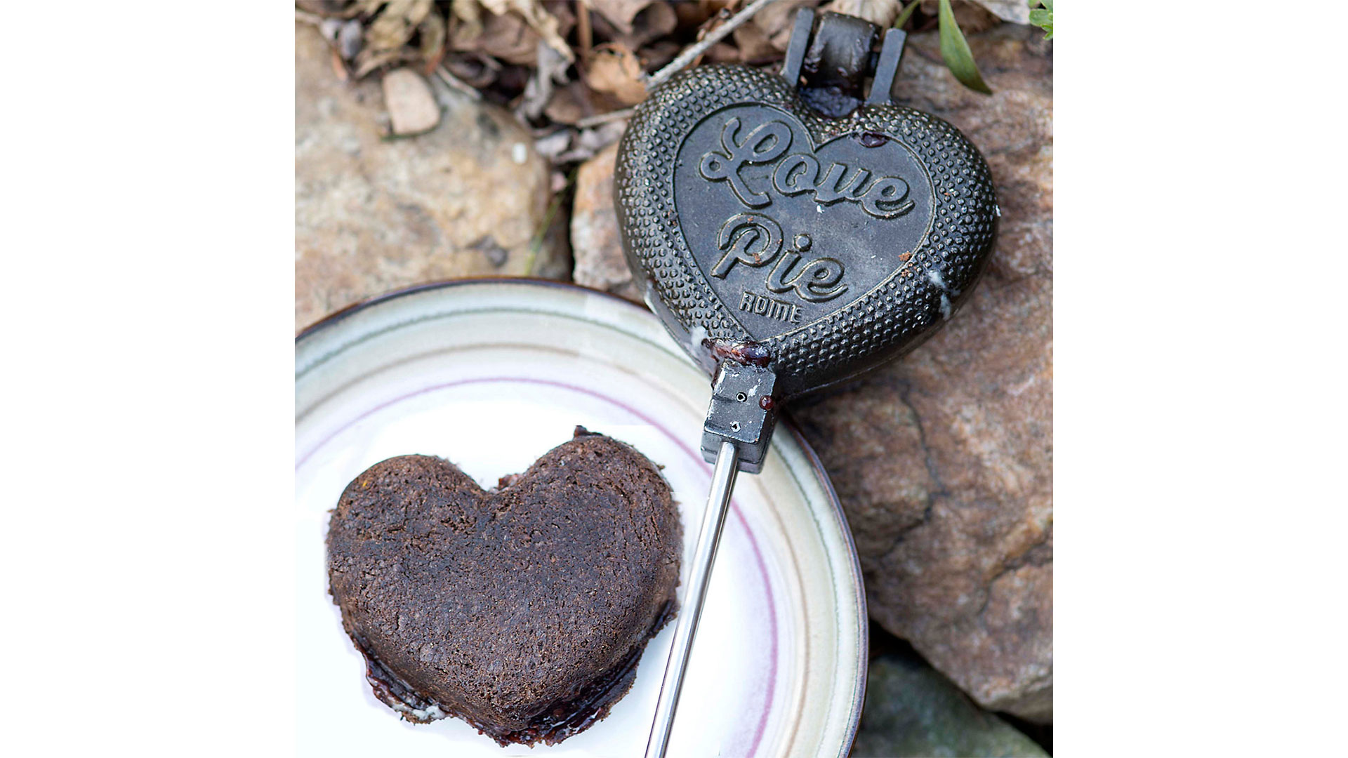 Fireside Heart Pie Iron