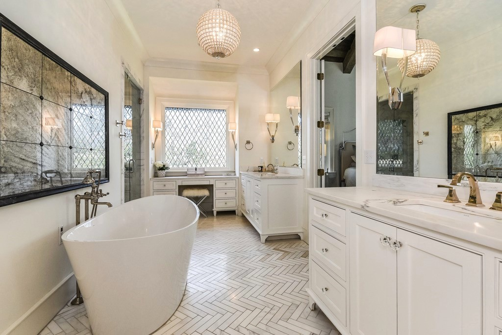 Mountain Lane Master Bathroom