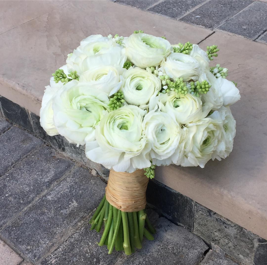 13 Romantic Ranunculus Wedding Bouquets - Southern Living