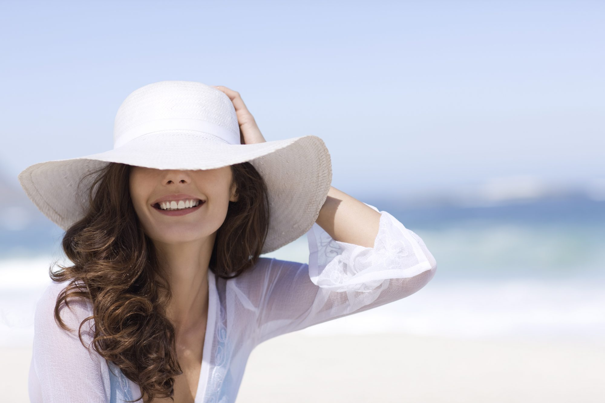 4th of July Hairstyle Throw on a wide-brimmed hat