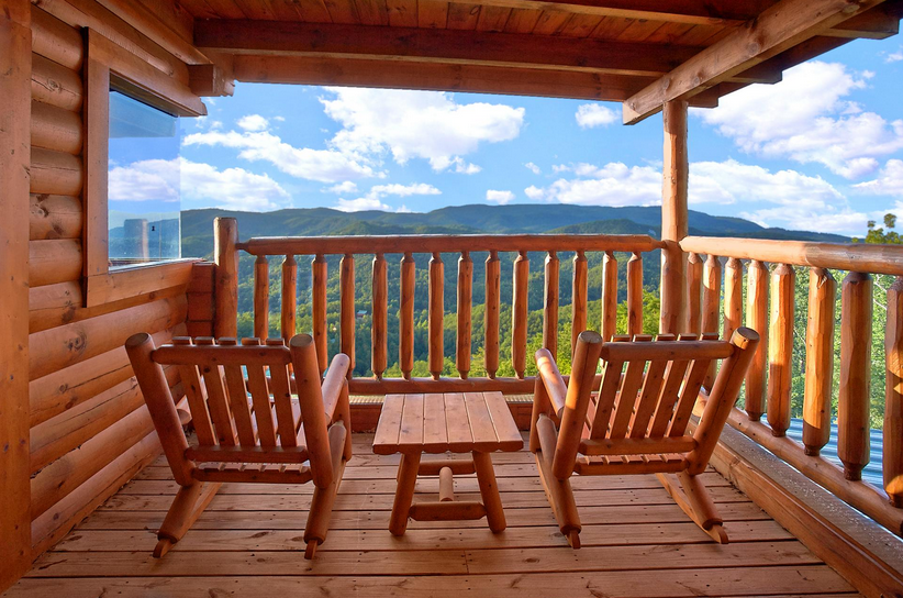 Great Smoky Mountains Cabin Rental: The Honeymoon Suite