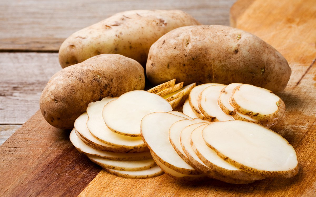 Here's the Right Way to Cut Potatoes for Every Breakfast Dish
