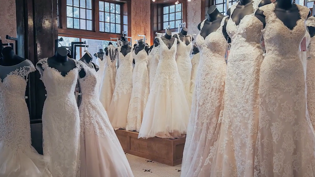The best wedding dress shops in every southern state for Wedding dress stores in arkansas