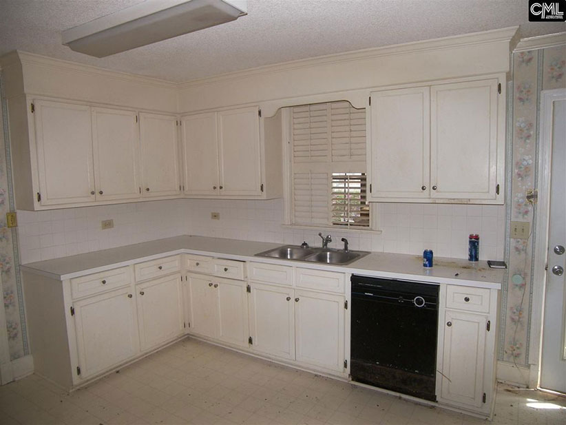 Zillow Creepy House Kitchen