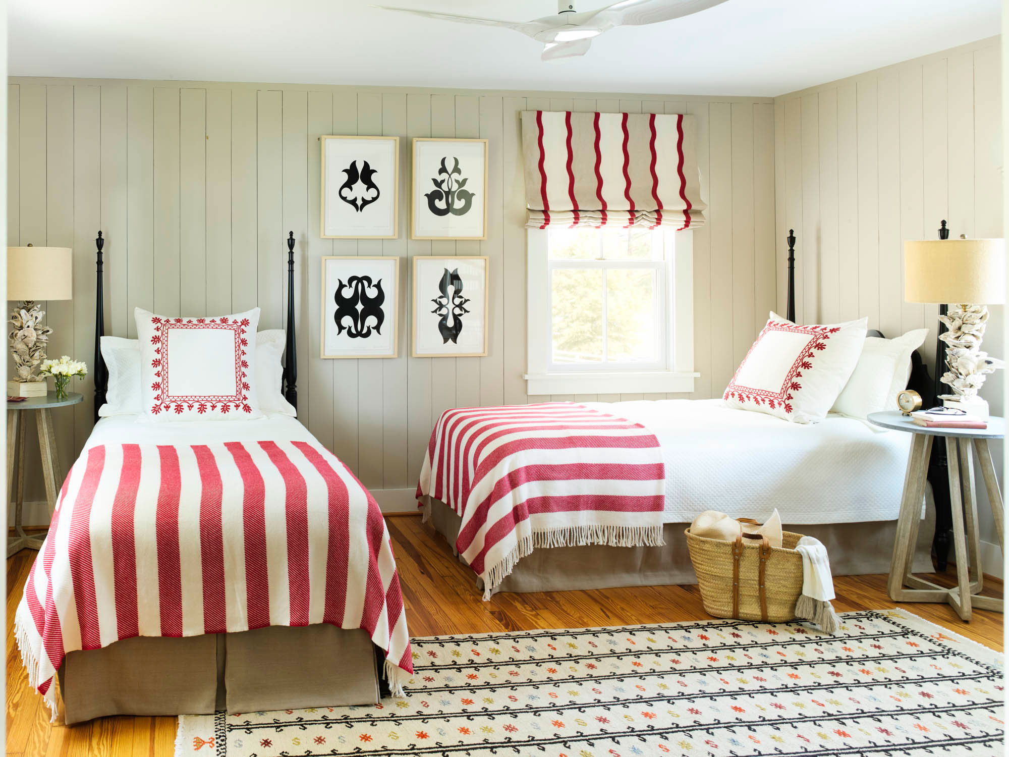 Nostalgic Summerhouse Guest Room