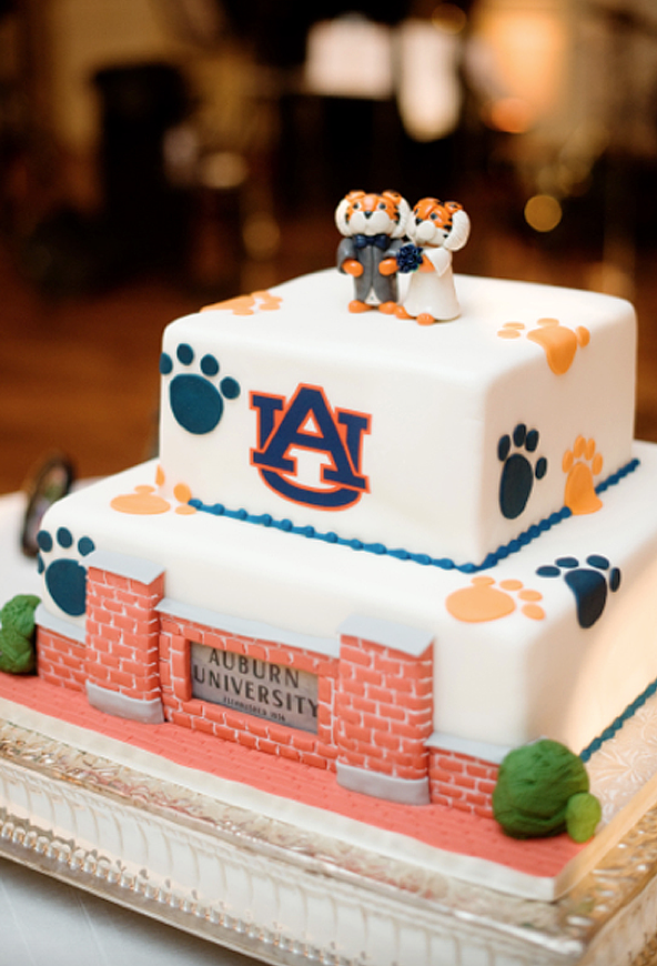 Memorable Groom's Cakes