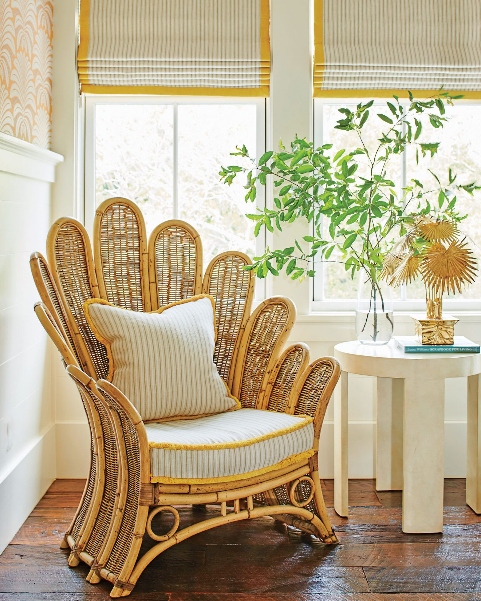8 Ways to Decorate with Vintage Finds