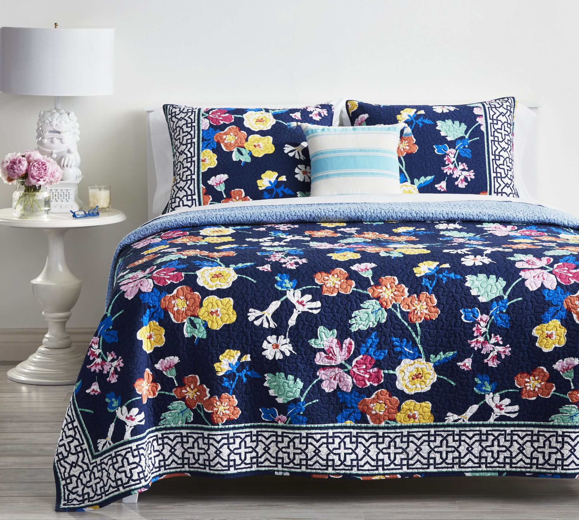 Vera Bradley S New Bedding Collection Is Here And We Want
