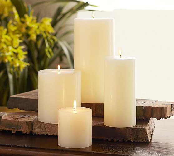 RX_1707 Christmas Candles_Ivory Pillar Candles