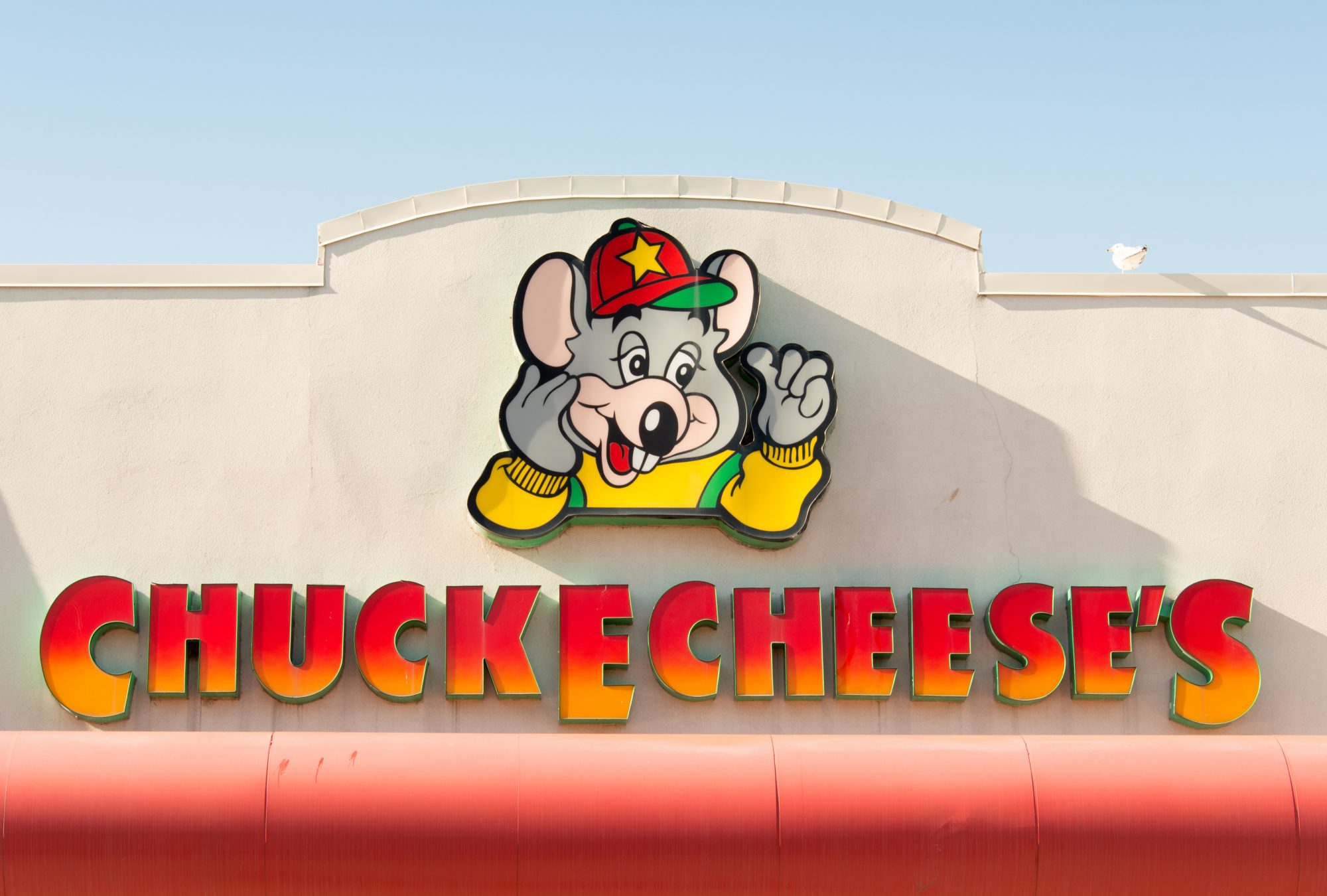 chuck e cheese sign